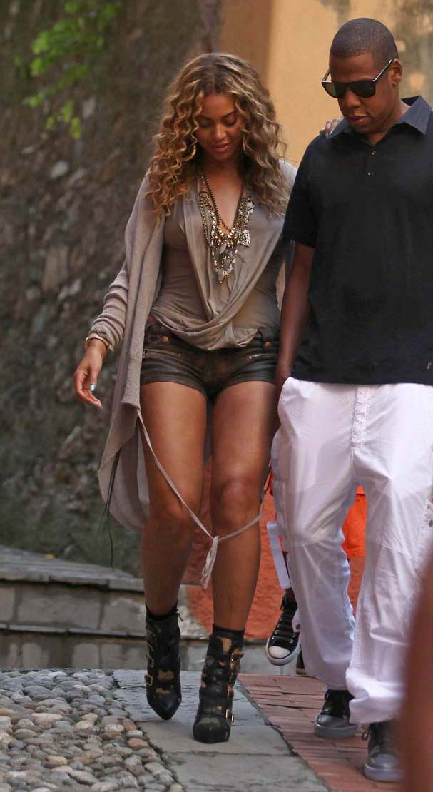 Shoe Of The Day Beyonce Rocks To The Beat Of Her Own Drum