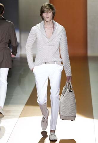 2011-mens-fashion-is-all-about-womens-sandals-and-handbags