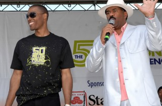 "performs in Centennial Olympic Park on July 21, 2007 in Atlanta Georgia as part of Dr. Ian Smith's ""An Event to Change Your Life"" Hosted by Steve Harvey."