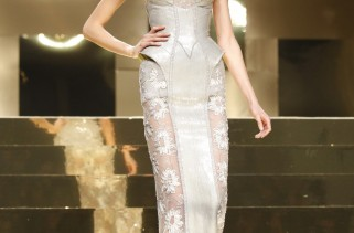atelier-versace-spring-2012-preview-at-haute-couture-fashion-week