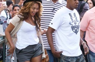 beyonce-demonstrates-how-to-walk-in-ysl-pumps-while-drunk
