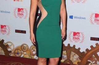 celeb-style-alicia-keys-in-stella-mccartney-at-mtv-emas-2012
