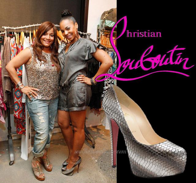 celeb-style-ashanti-in-lady-daf-platforms-at-simone-i-smith-jewelry-show