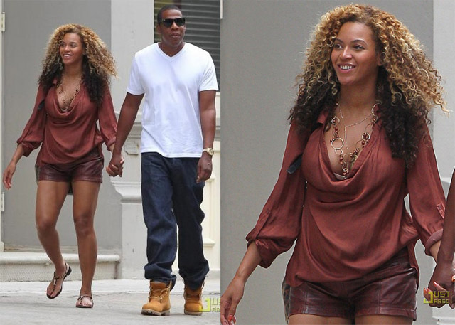 celeb-style-beyonce-taking-baby-steps-through-the-streets-of-nyc