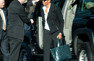 celeb-style-first-lady-michelle-o-rocks-reed-krakoff-ribbon-tote
