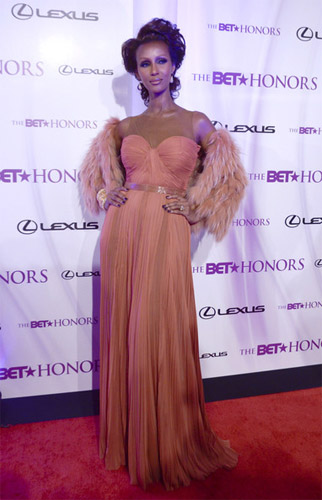 celeb-style-iman-and-gabrielle-union-best-dressed-at-2011-bet-honors