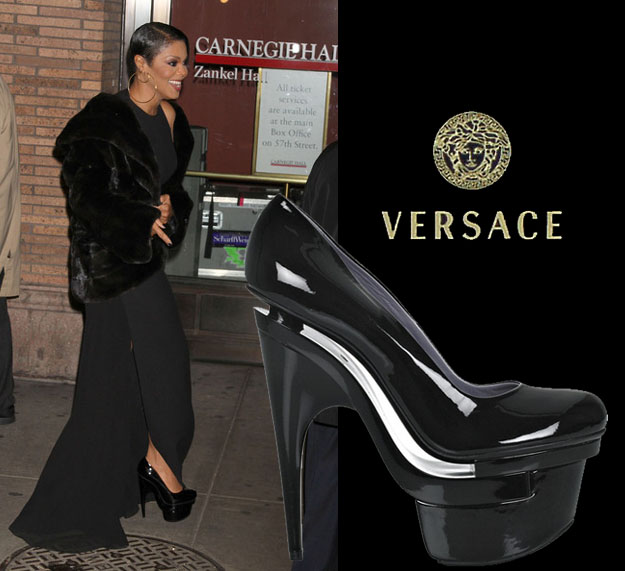 celeb-style-janet-jackson-gets-glam-in-all-black-versace