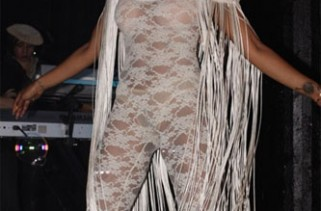 celeb-style-kelis-all-laced-up-but-close-to-naked