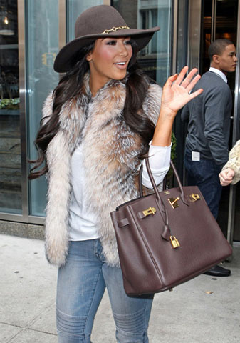 celeb-style-kim-kardashian-and-her-birkin-bags-in-many-colors