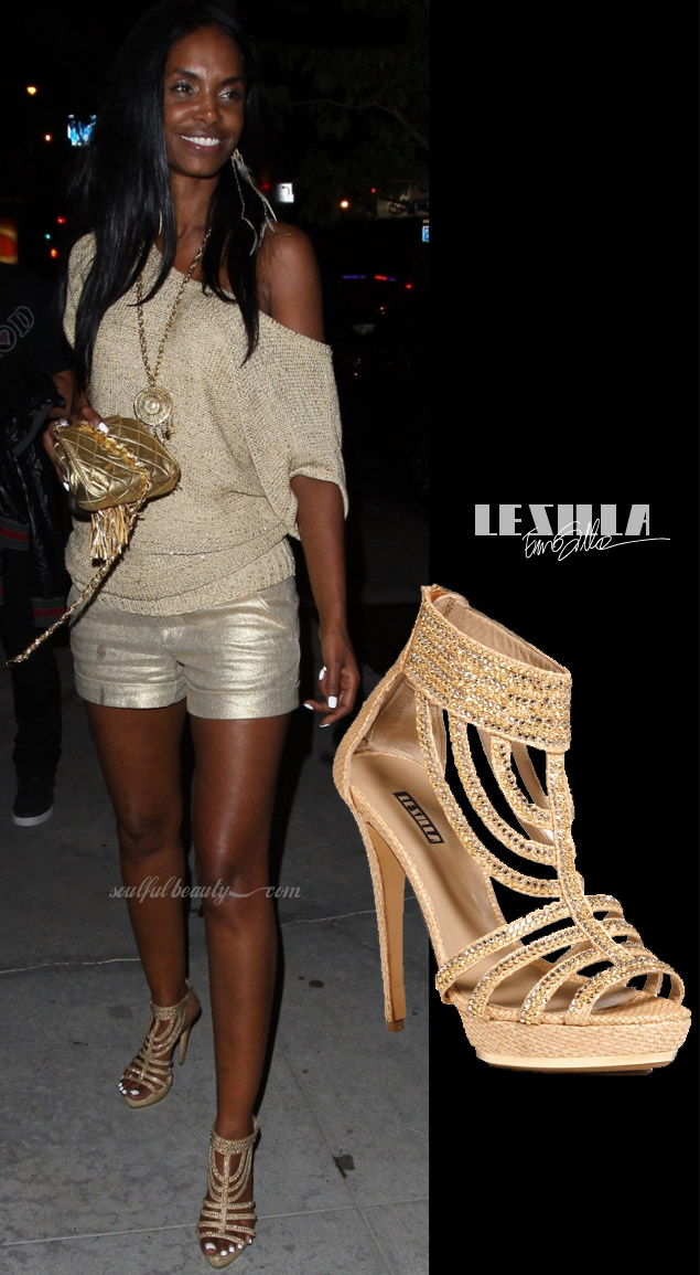 celeb-style-kim-porter-sparkles-in-gold-le-silla-strappy-sandals