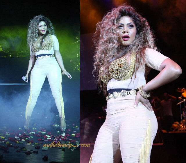 celeb-style-lil-kim-return-of-the-queen-tour-fashion-ensembles