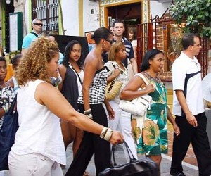 Celeb Style: Michelle Obama Gets Her Shop On in Spain