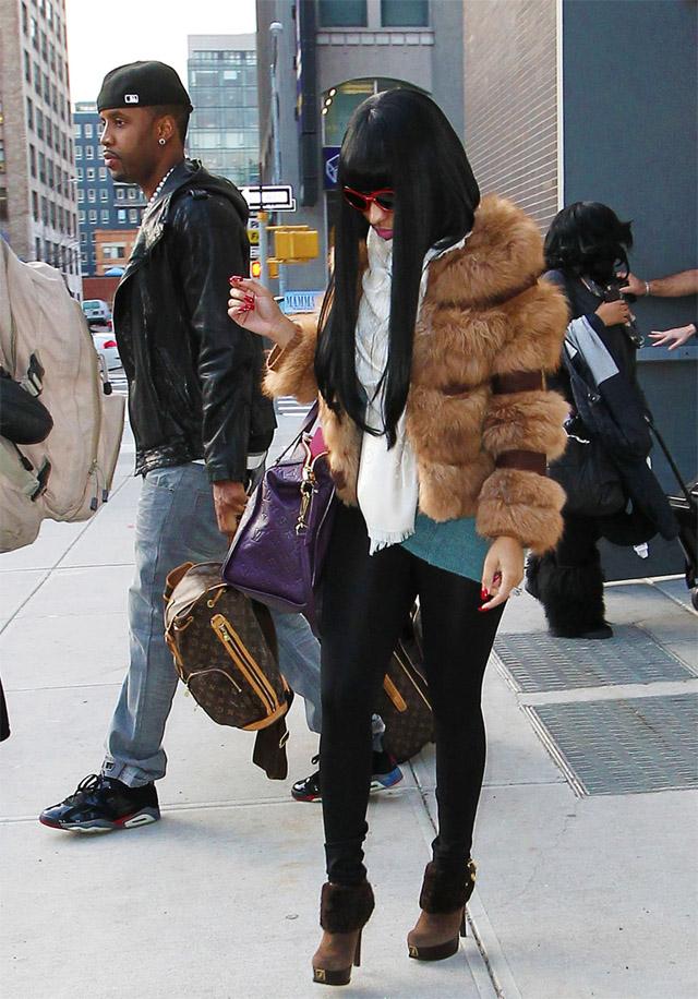 celeb-style-nicki-minaj-in-louis-vuitton-fur-and-fendi-shearling-boots
