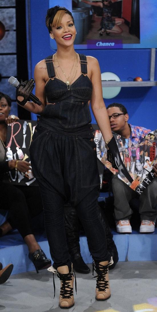 celeb-style-rihannas-jean-paul-gaultier-denim-overalls