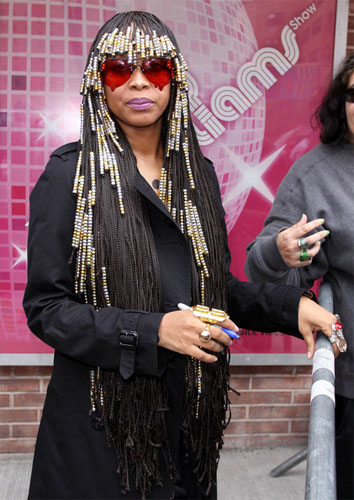 erykah-badu-crosses-over-with-new-beaded-braid-hairstyle