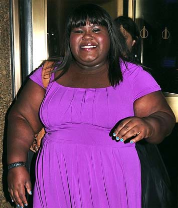 gabourey-sidibe-shows-off-fresh-fingernails-and-painted-toes