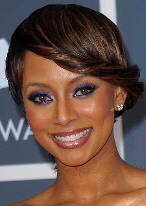 get-the-look-keri-hilsons-2010-grammy-awards-makeup