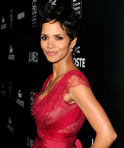 halle-berry-at-the-13th-annual-costume-designers-guild-awards