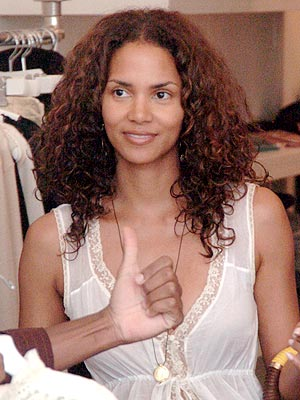 halle-berry-speaks-out-on-natural-beauty