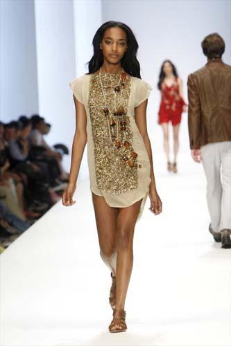 hugo-boss-supermodel-jourdan-dunns-big-come-back