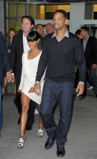 shoe-of-the-day-jada-pinkett-smith-in-azzedine-alaia