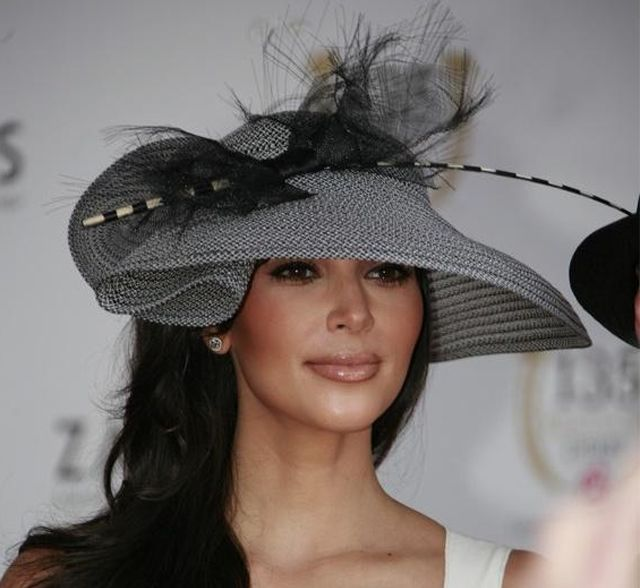 traditional-hat-fashion-the-kentucky-derby-2011-has-officially-begun