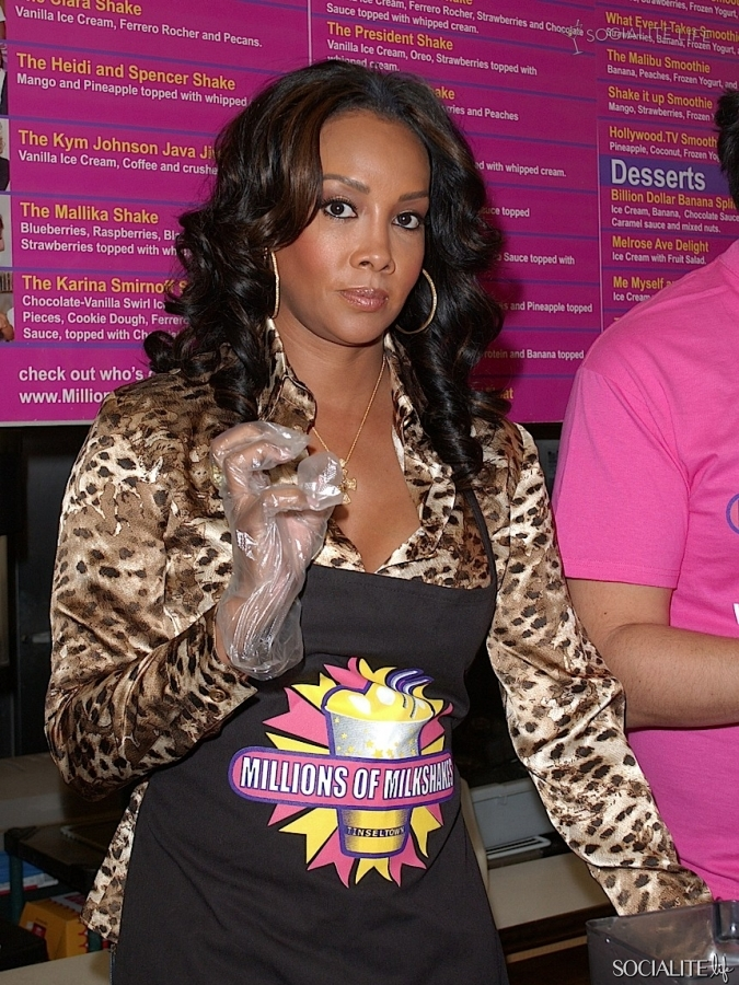 vivica-a-fox-millions-of-milkshakes-photos-12092009-02-675x900