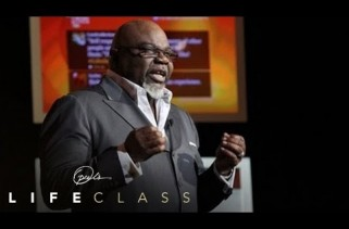 Oprah's Life Class: TD Jakes Speaks on Living with Purpose